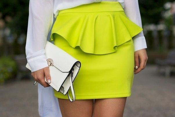 Идеально подогнанная по талии юбка-трапеция