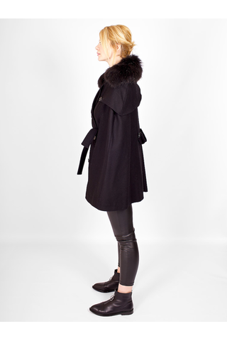 Пончо-пальто с меховым воротником от LES BOURDELLES DES GARCONS _ L003766